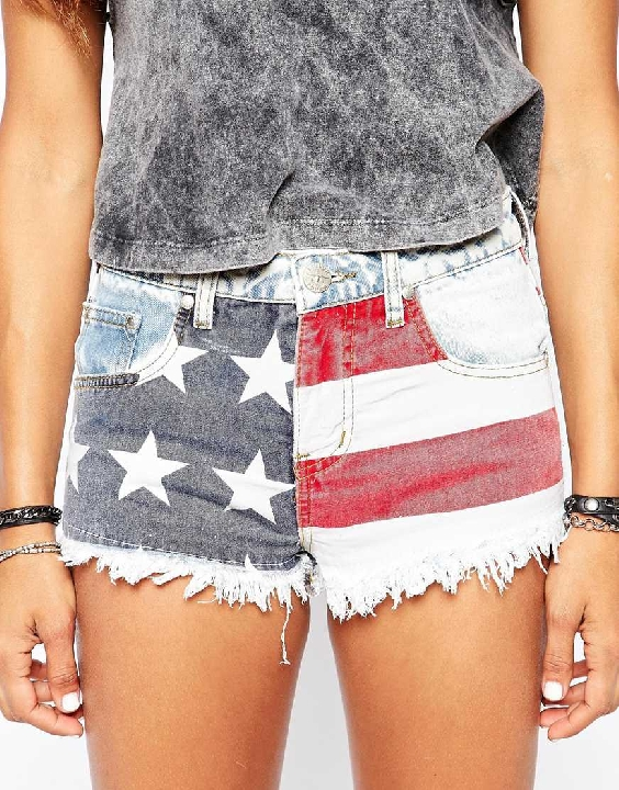 Scroll for July 4th Fashion