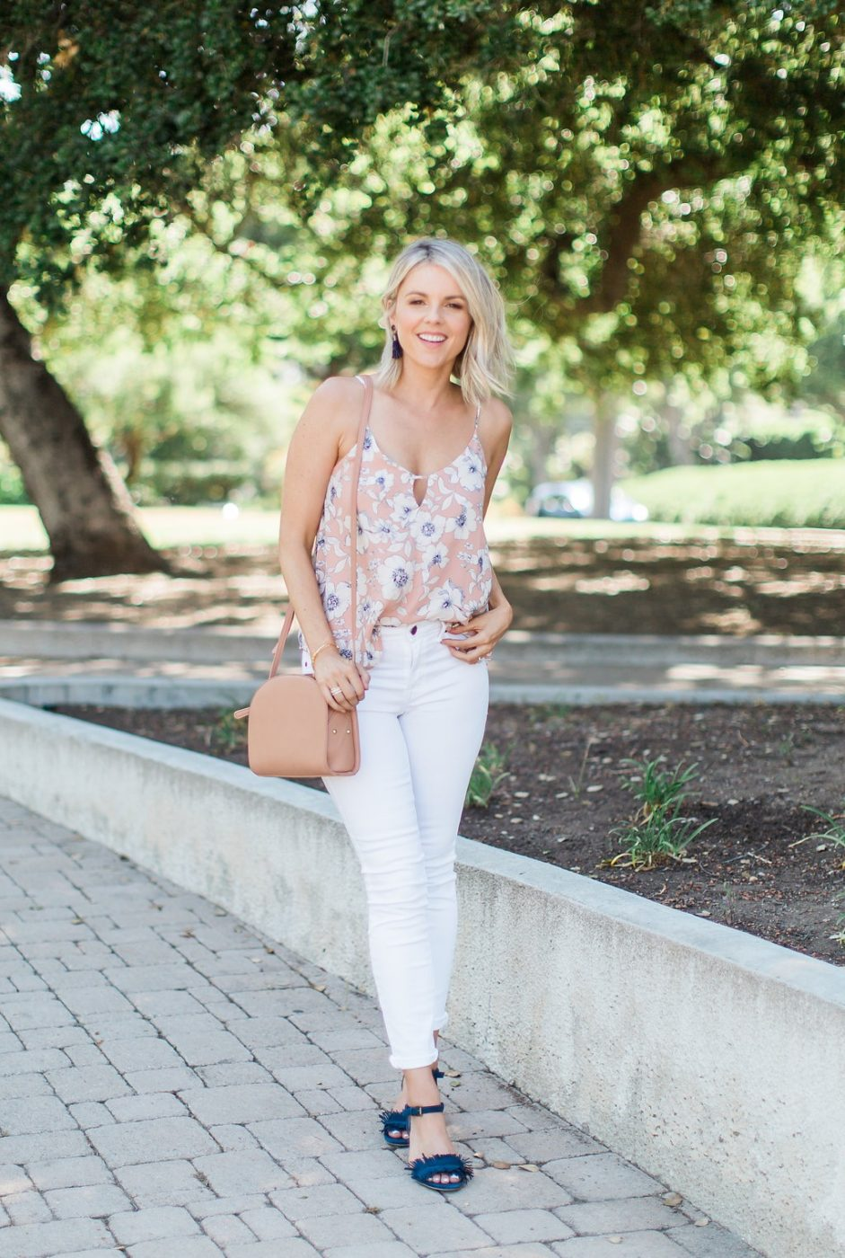 Navy, Blush and White – Love this Color Combo!