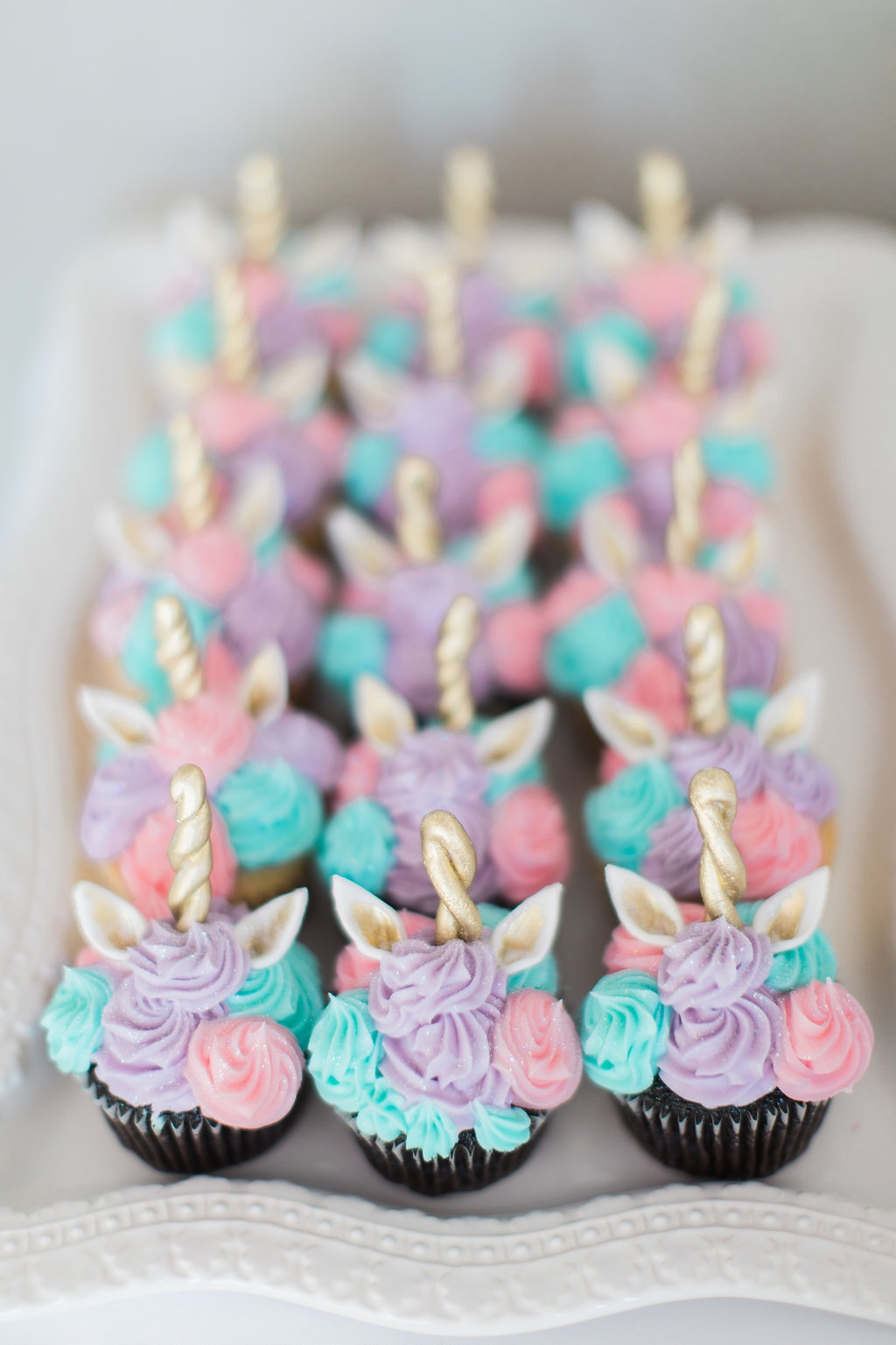 I Mean Just Look At These Unicorn Cupcakes Theyre So Whimsical And Beautiful Definitely Pinterest Worthy Will Certainly Be Using Polkatots