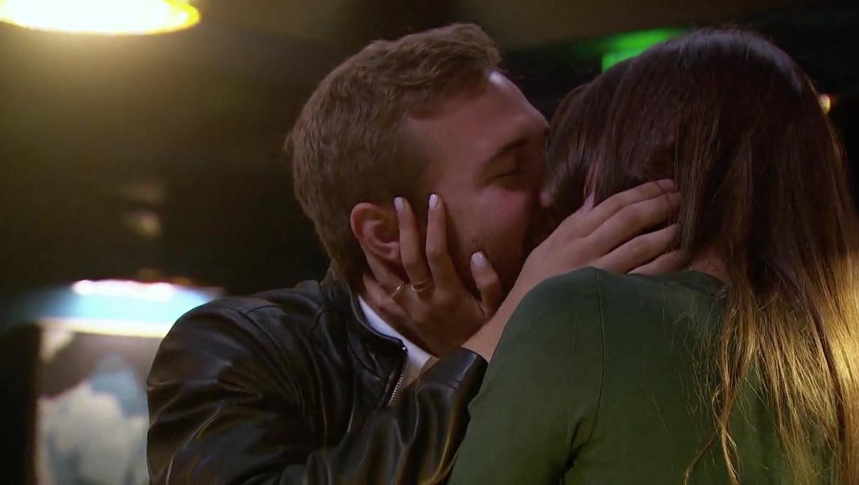 peter kissing kelley